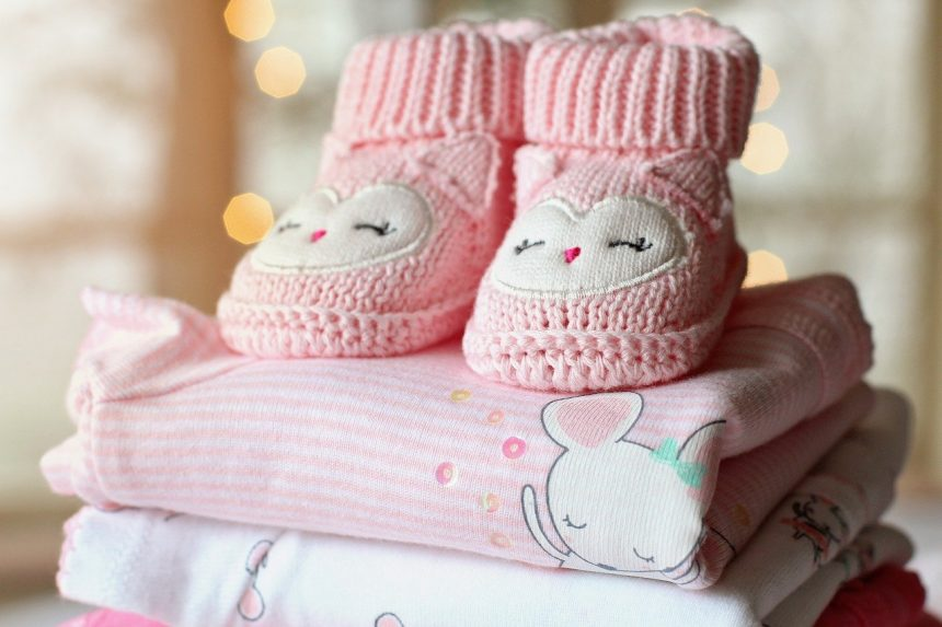 Get Your Girlfriend Fashion Focused With Baby Clothes Gift Sets